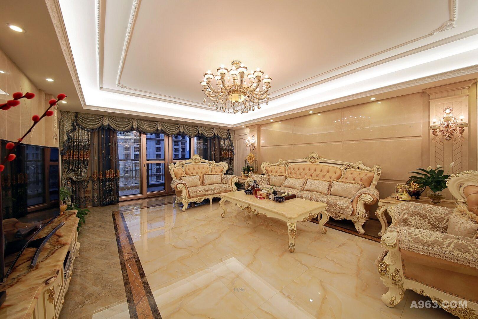 普宁-御景城 建筑面积:300 设计师:黄茂艺 主要材料:白玉兰石材,炭烧板,桑拿板,全抛釉,墙布,实木 简约欧式风格沿袭古典欧式风格的主元素,融入了现代的生活元素。欧式的居室有的不只是豪华大气,更多的是惬意和浪漫。通过完美的典线,精益求精的细节处理,带给家人不尽的舒服触感,实际上和谐是欧式风格的最高境界。